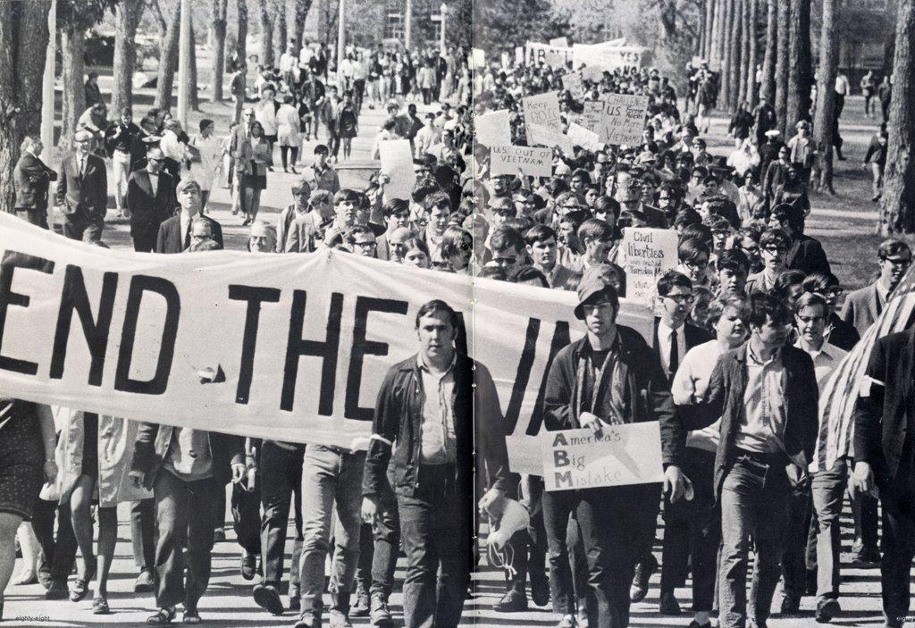 Stephen King na demonstracji 1970 r